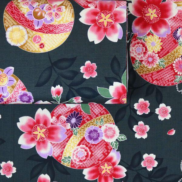 Kimono Flowers - Black
