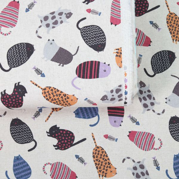 Cats with different Prints - Creme