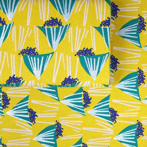 Triangles & Silver Stripes - Echino - Yellow